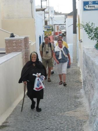 ฟิร่า, กรีซ: Fira, Santorini, Greece (Oct 06).