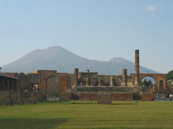 Pompeii, Italy, with Mount Vesuvius in the background (Oct 10 06).