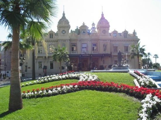 มอนติคาร์โล, โมนาโก: The Monte Carlo Casino (Oct 06).