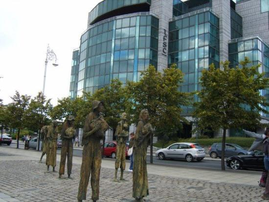 Foto de The Famine Sculpture