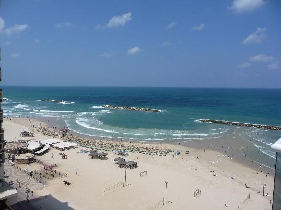 คราวน์พลาซ่า เทลอาวีฟ: The beach right behind Crowne Plaza Tel Aviv