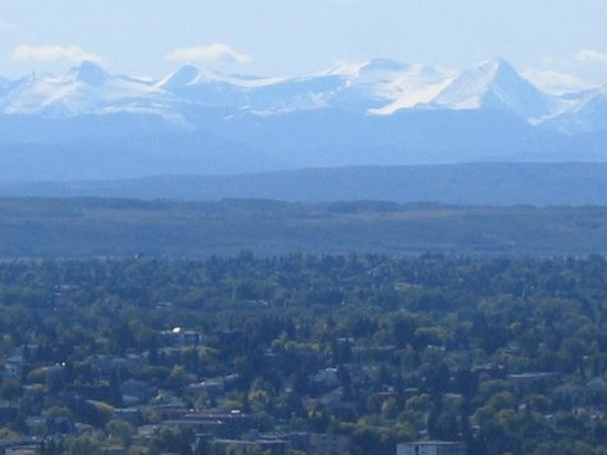 Калгари, Канада: The Rockies seen from the Calgary Tower