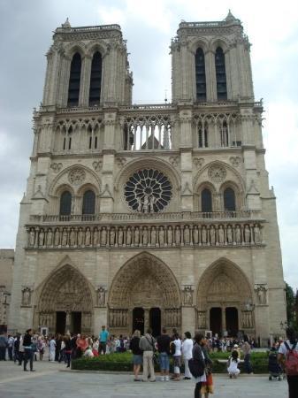 มหาวิหารน็อทร์-ดาม: Notre-Dame de Paris