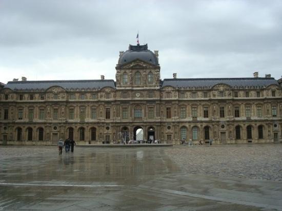 พิพิธภัณฑ์ลูฟวร์: Le Louvre
