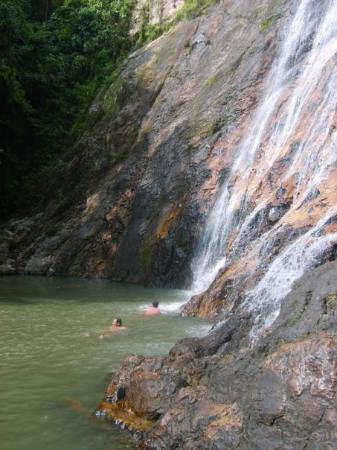 เกาะสมุย, ไทย: Koh Samui. Waterfall oasis