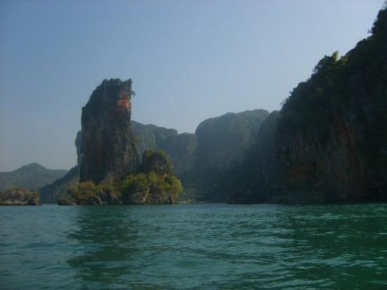 เกาะพีพีดอน, ไทย: Phi-Phi and Krabi.