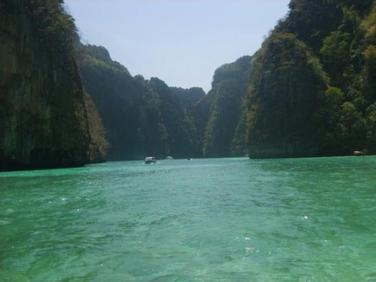 เกาะพีพีดอน, ไทย: Phi-Phi and Krabi. Small Lagoon