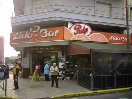 """""""Lido Bar"""", punto de referencia en todo Asuncion, ubicado en Palma y Rep de Chile. Algo caro, pe"""