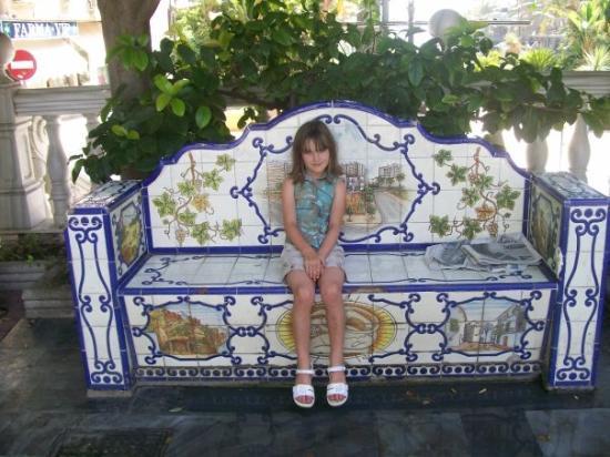 มาร์เบลลา, สเปน: Nice bench in park in Marbella