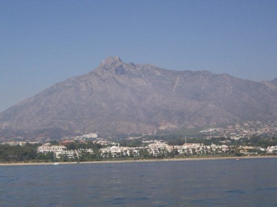 มาร์เบลลา, สเปน: Booby mountain.... no kidding, that is what the locals call it for obvious reasons...