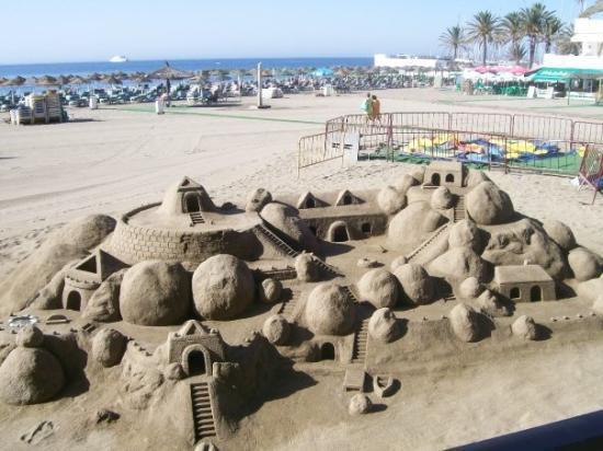 ฟูเอนจิโรล่า, สเปน: Sand sculpture Marbella beach