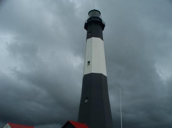 สะวันนา, จอร์เจีย: The Tybee Island light house. Note the storm clouds in the back - the reason we were no longer a