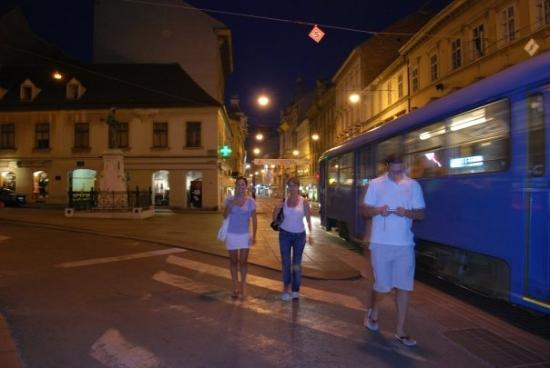 ซาเกร็บ, โครเอเชีย: Zagreb by night