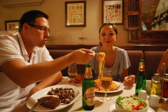 ซาเกร็บ, โครเอเชีย: Italian restaurant, hungry Bulgarians