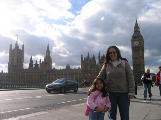 รัฐสภา: El Parlamento al fondo