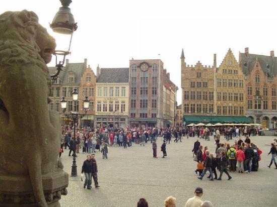 """บรูจส์, เบลเยียม: The """"Grote Markt"""""""