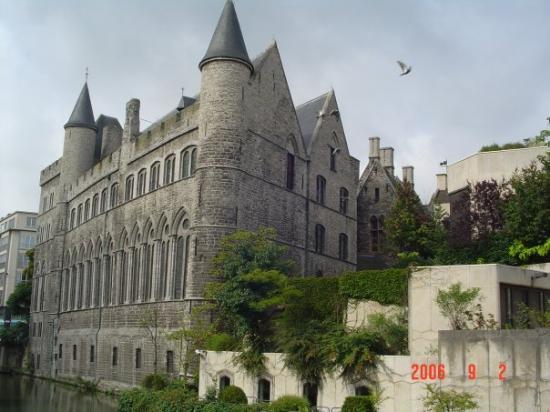 เกนต์ , เบลเยียม: Some castle in Gent, I forgot the name