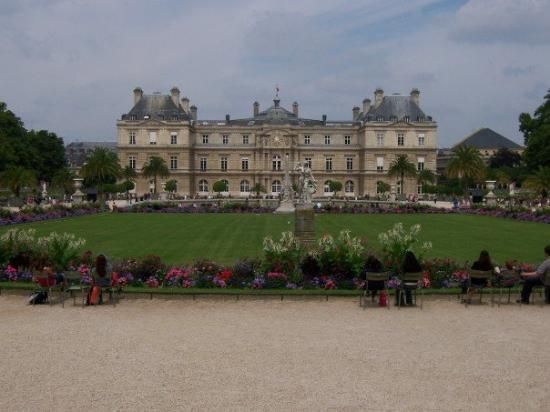 สวนลัคเซ็มเบิร์ก: the Luxembourg park... after this, guess where i went