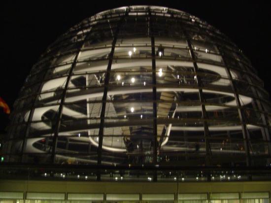 สภาผู้แทนราษฎรเยอรมัน: Reichstag Dome