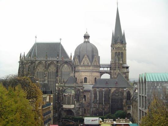 อาเคน, เยอรมนี: Aachen Cathedral