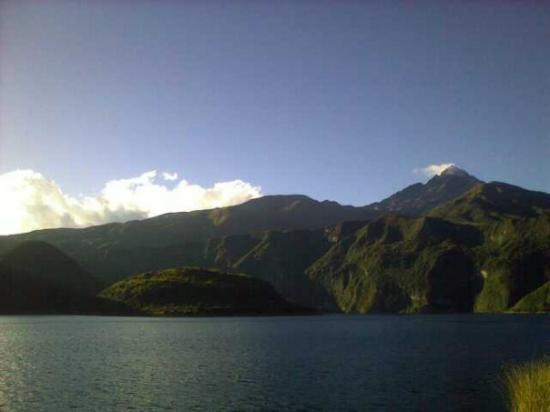 Laguna Cuicocha, เอกวาดอร์: 07/26/2009  Cuicocha y el Cotacachi en el fondo