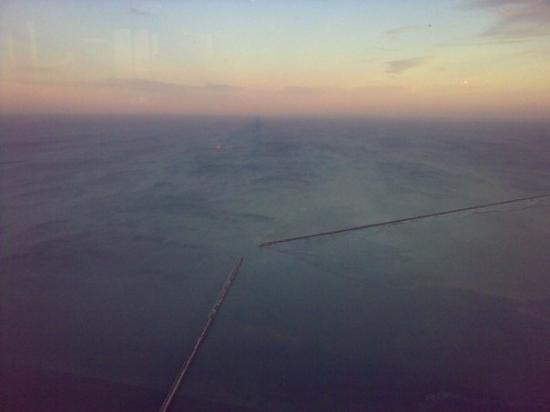 หอสังเกตุการณ์จอห์นแฮนค็อก: Lake Michigan from the top of Hancock tower