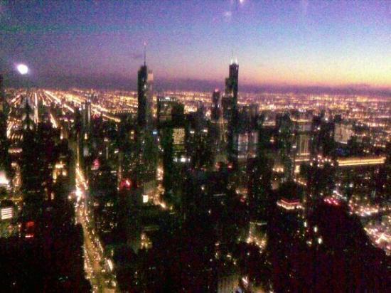 หอสังเกตุการณ์จอห์นแฮนค็อก: Downtown Chicago, Sears Tower at night