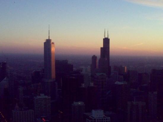 หอสังเกตุการณ์จอห์นแฮนค็อก: Sears tower on right... again