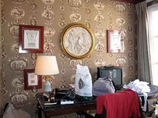 โรงแรมเดส์ กรองด์ ฮอมเมส: Our room