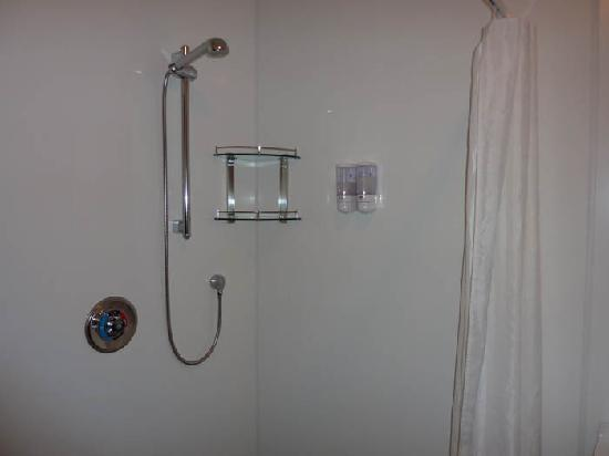 Willowbank Motel : Shower