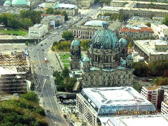 Berliner Dom: View of Cathedral from the Tower