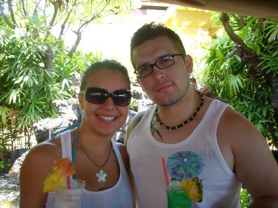 Aston Mahana at Kaanapali: Having our first Maui Mai Tai and cocktails!