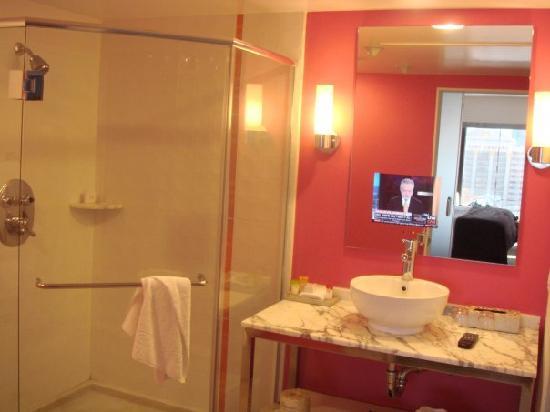 โรงแรมฟลามิงโกแอนด์คาสิโน: great bathroom