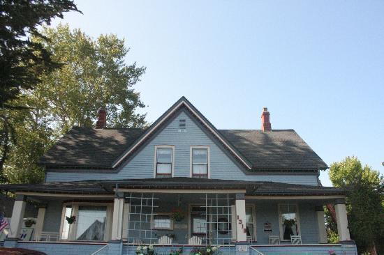 Blue Gull Inn Bed & Breakfast: front of house