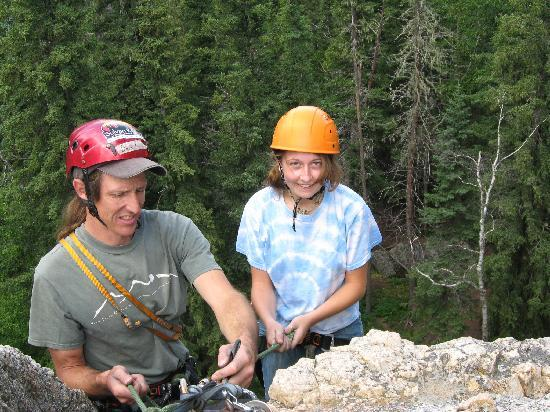 Sylvan Rocks Climbing School: guide Daryl Stisser giving instructions on rappelling