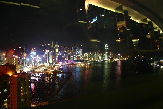 โรงแรมฮาร์เบอร์ แกรนด์ ฮ่องกง: view from L188