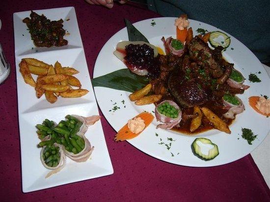 Poeschl Stuben: Beautifully presented food