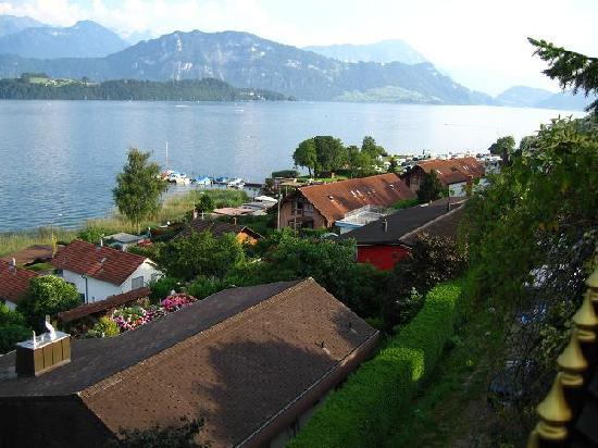 Swiss Chalet Lodge: Lake Lucerne from Chateau Golden Gate 2