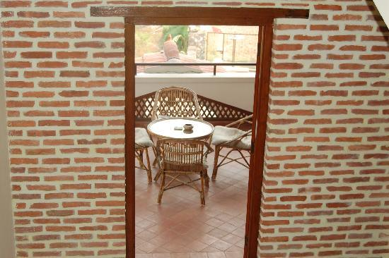 Vardan Resort n' Apartment: Patio