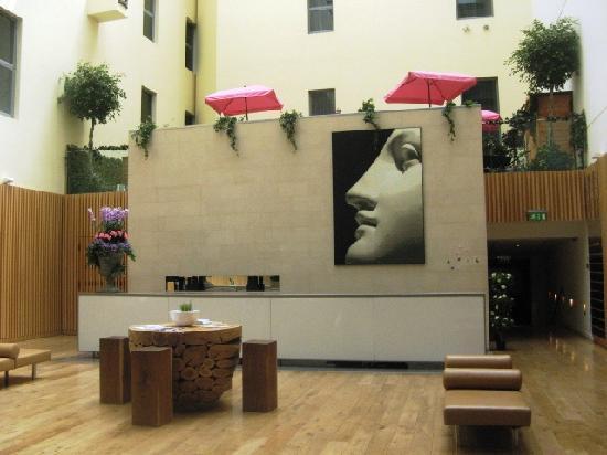 Andaz London Liverpool Street: indoor bar