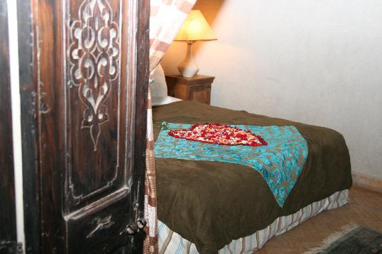 Riad Saba: When we arrived there was roses on the bed and Champagne on the side!