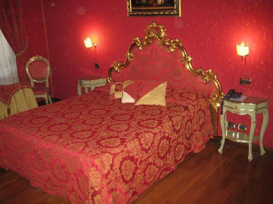 Hotel Al Ponte Mocenigo: La nostra camera... bellissima!