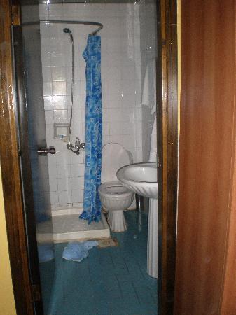 Hotel Beyaz Kugu: Baño real