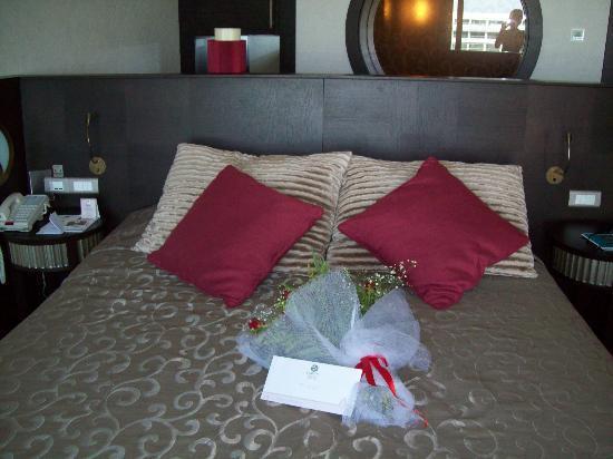 Cornelia Diamond Golf Resort & Spa: Bed