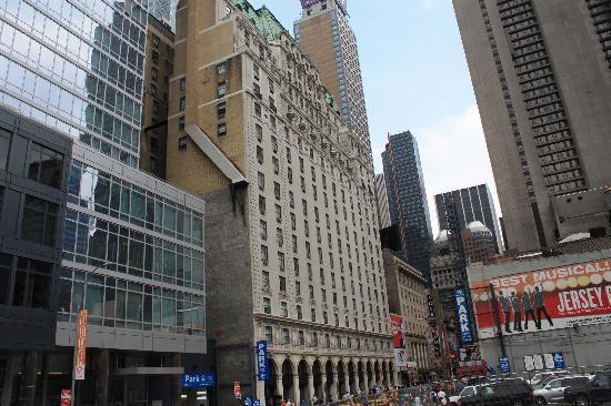 นิวยอร์กซิตี, นิวยอร์ก: Hotel Paramount