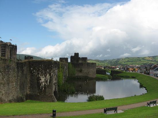 Caerphilly Castle: Les douves