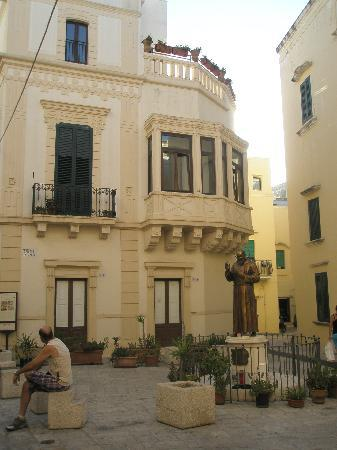 Gallipoli, อิตาลี: Un palazzo del centro storico
