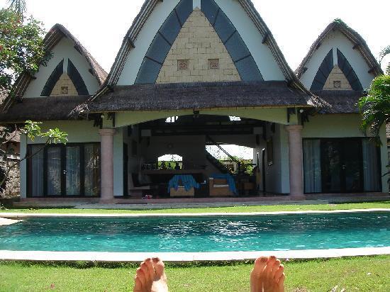 โรงแรมวิลล่า เซมินยัก เอสเตท แอนด์ สปา: A view from the sun lounge