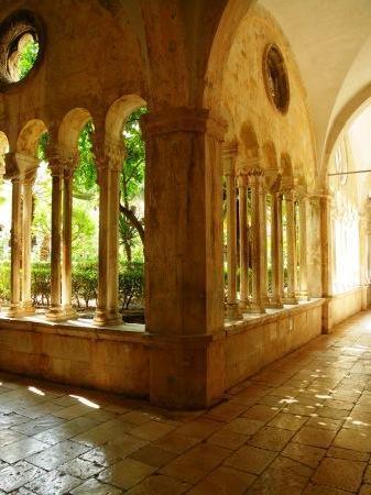 Franciscan Monastery: 柱廊