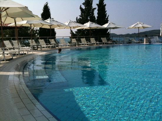 Sun Gardens Dubrovnik: Une piscine (2)